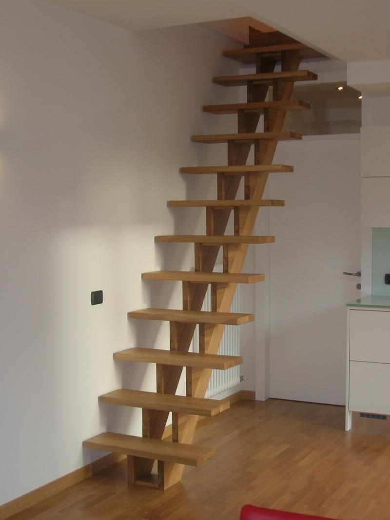 Scale autoportanti in legno falegnameriagm casale sul sile for Scale a giorno